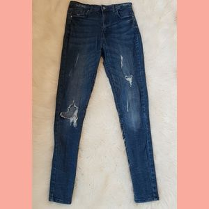 Distressed denim jean pants size 25 skinny